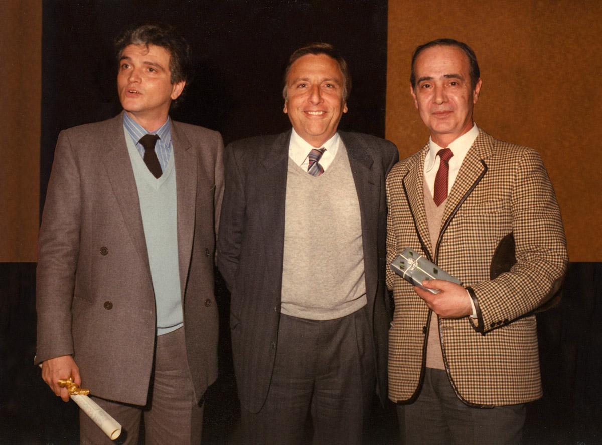 Fine anni 80 - Con il direttore delle edizioni musicali RCA Mario Cantini (al centro) e il maestro Vincenzo Gioieni (autore della musica di Coccinella)