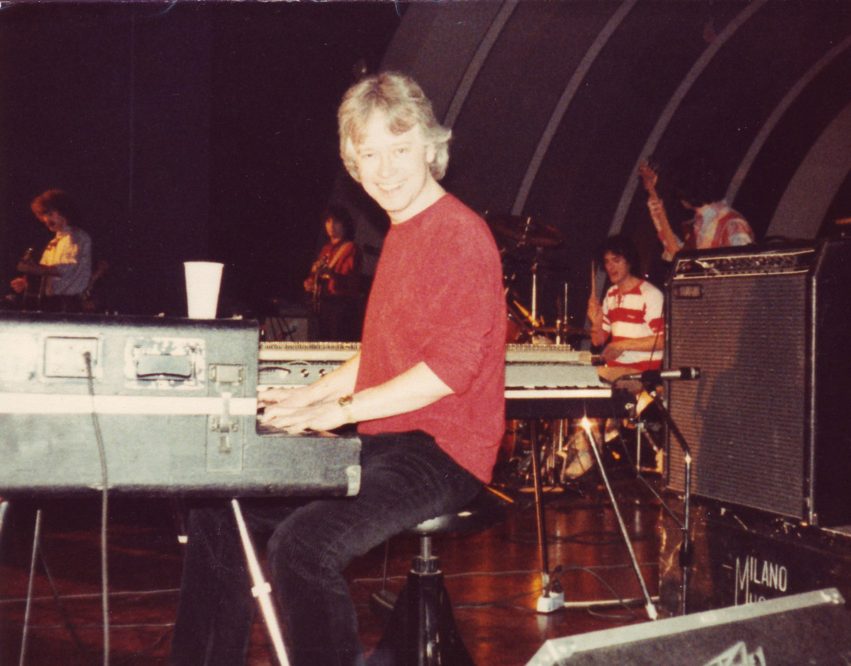 1980 - In tournée con la Average Withe Band, mentre in Italia Candy Candy arriva nella Hit Parade dei dischi più venduti